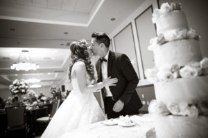 kissing after cutting the cake