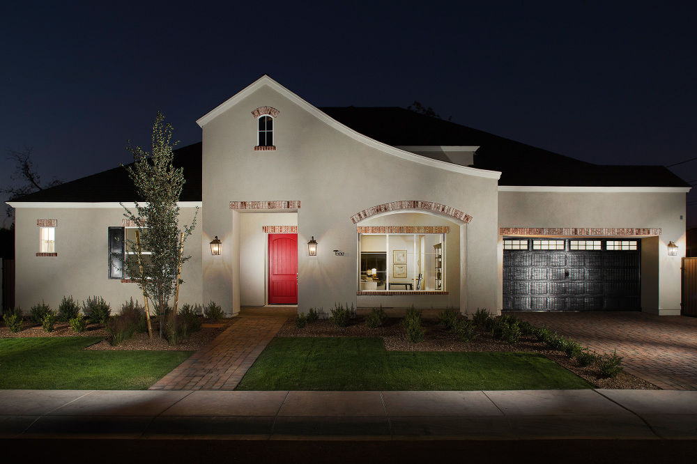 phoenix real estate photography dusk shoot of high end model home